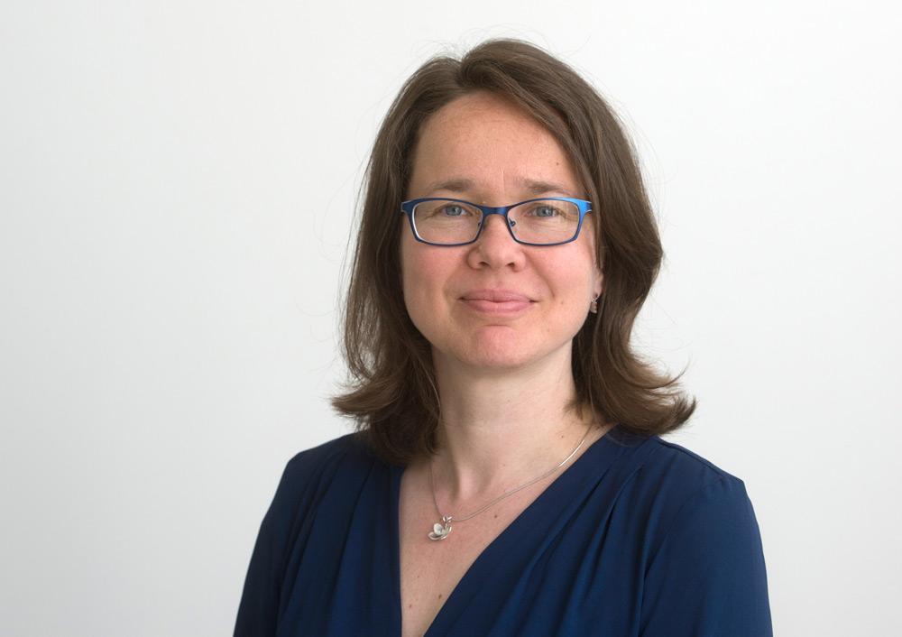 Dr. Katja Simons Executive Director Campus OWL New York